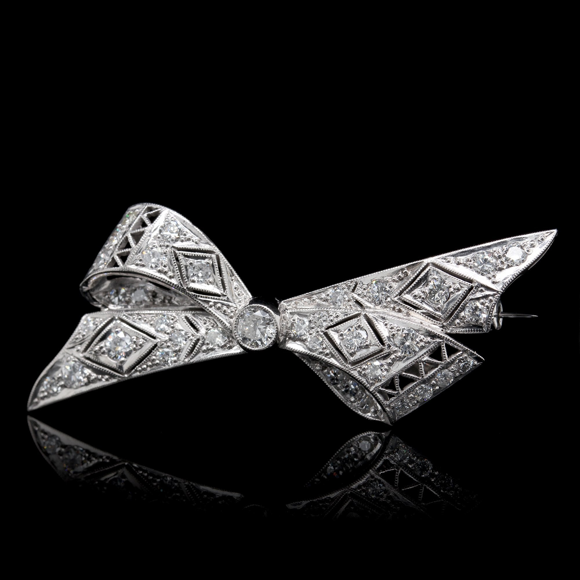 18K White Gold Estate Vintage Style Diamond Bow Pin