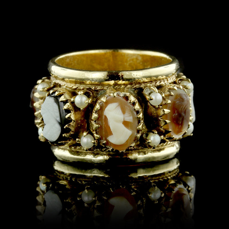 14K Yellow Gold Cameo and Pearl Ring