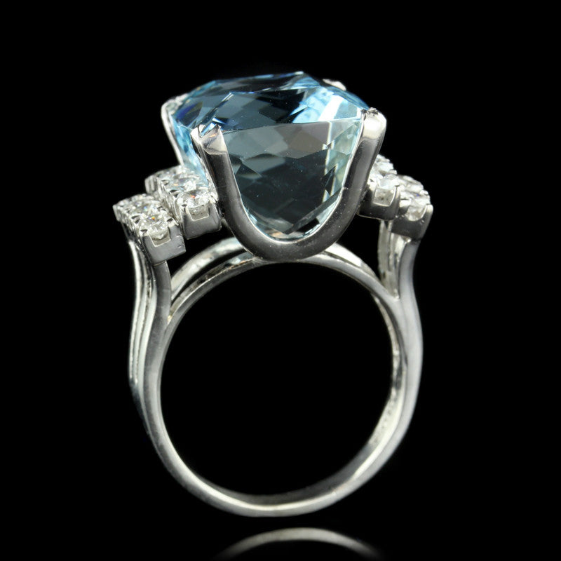 18K White Gold Aquamarine and Diamond Ring