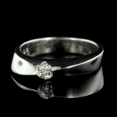 18K White Gold Diamond Cluster Ring