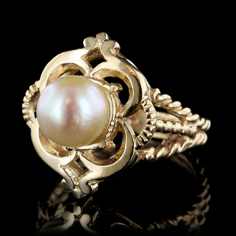 14K Yellow Gold Pearl Ring