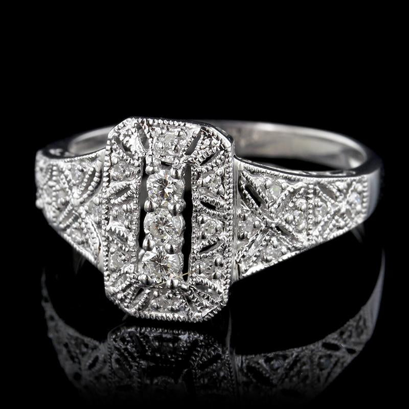 14K White Gold Antique Style Diamond Ring