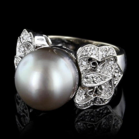 18K White Gold Cultured Tahitian Pearl and Diamond Ring