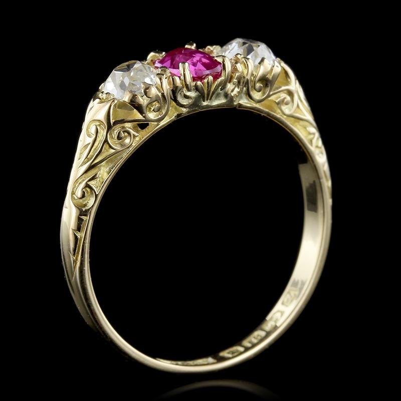 Victorian 18K Yellow Gold Ruby and Diamond Ring