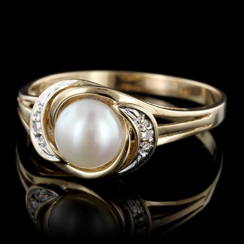 18K Yellow Gold Tahitian Pearl and Diamond Ring