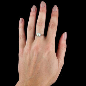 18K White Gold Cultured Pearl Ring