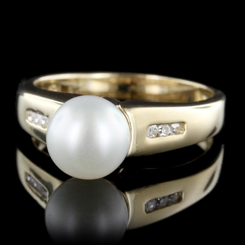 14K Yellow Gold Estate Cultured Pearl and Diamond Ring
