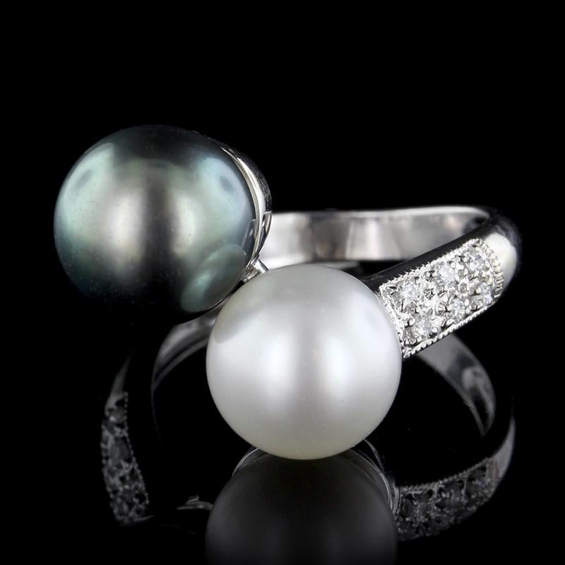 18K White Gold Pearl and Diamond Ring