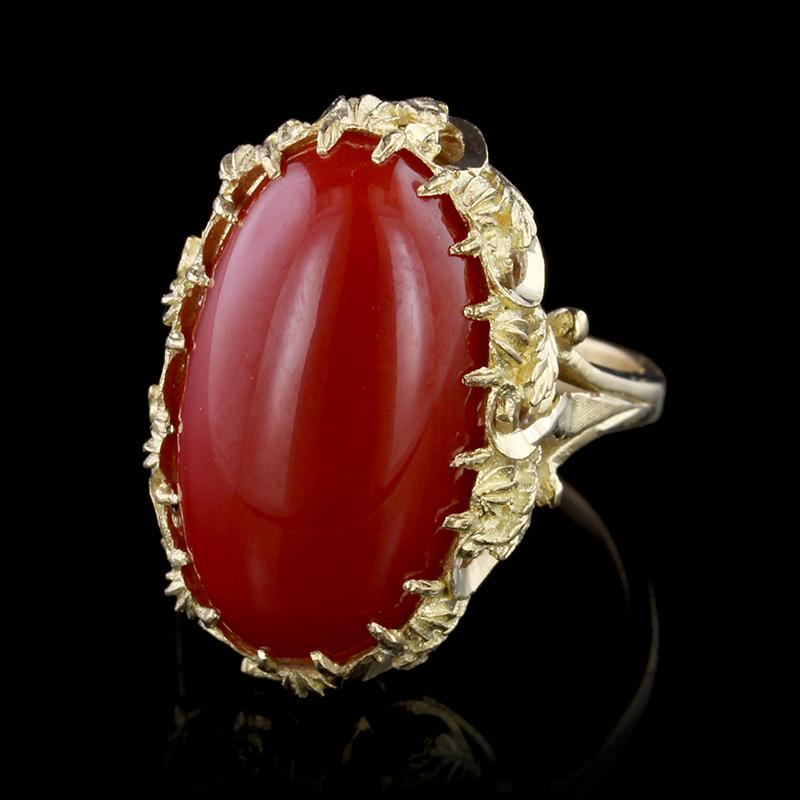 18K Yellow Gold Coral Ring