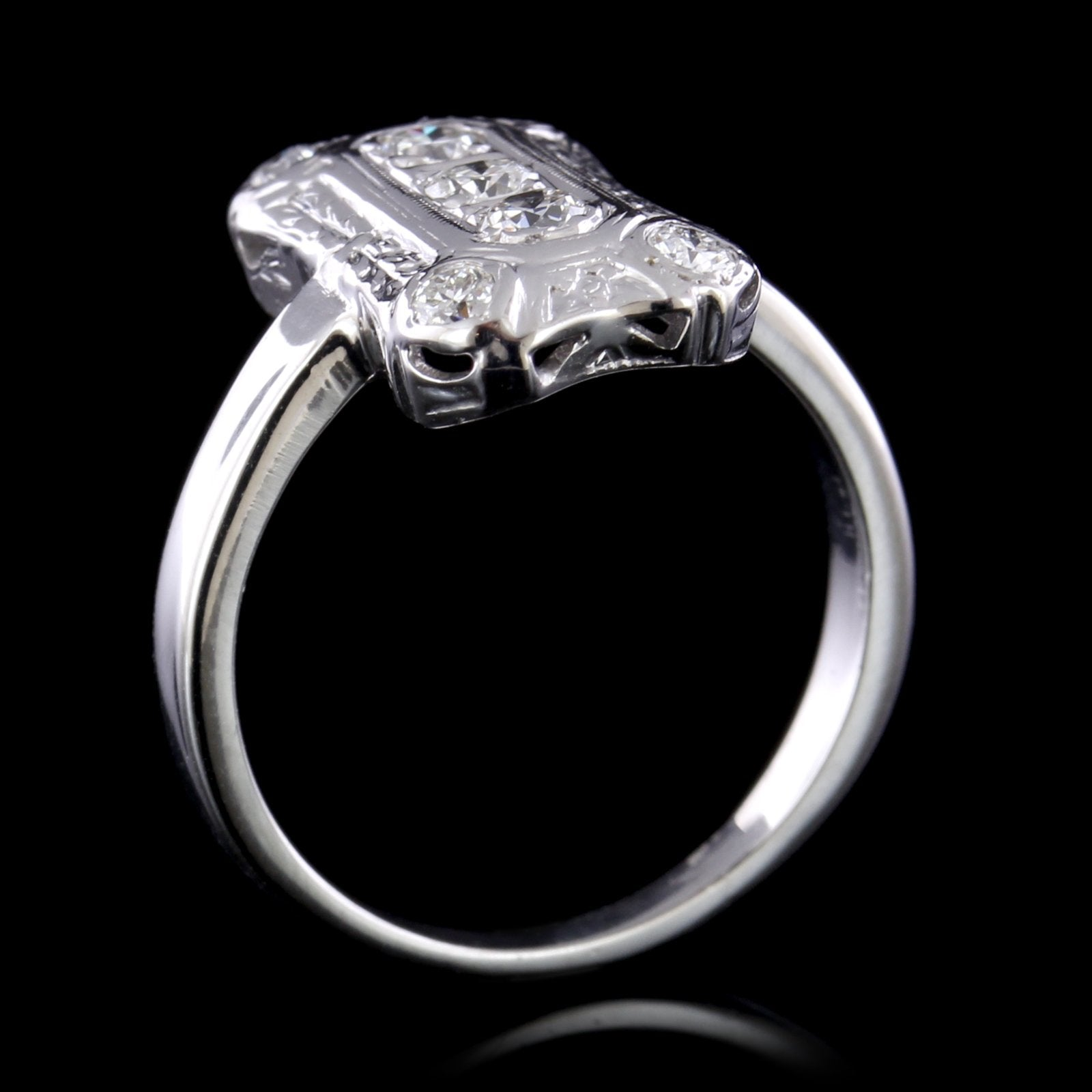 14K White Gold Vintage Style Diamond Ring