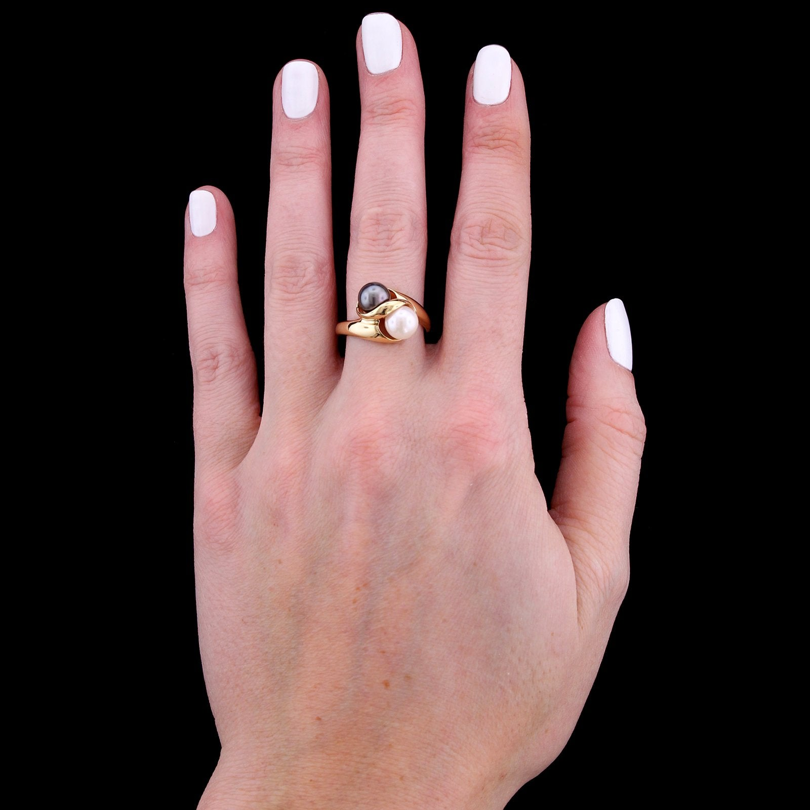 14K Yellow Gold Estate Cultured Black and White Pearl Ring