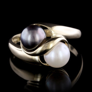 14K Yellow Gold Cultured Black and White Pearl Ring