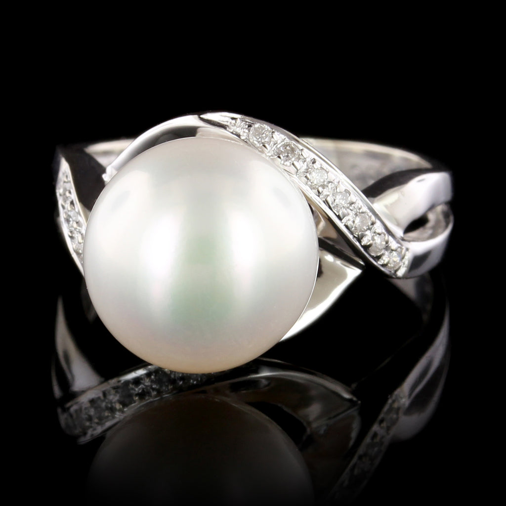 18K White Gold Cultured Freshwater Pearl and Diamond Ring