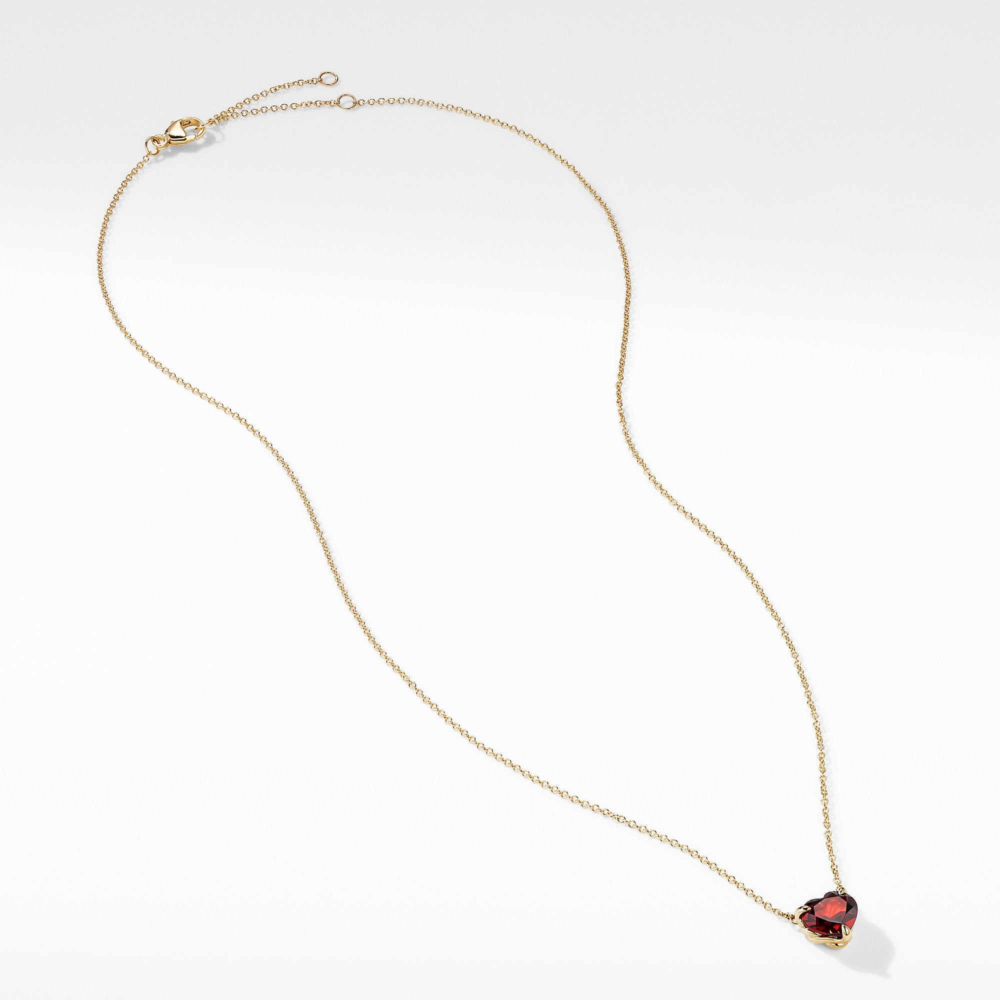 Heart Pendant Necklace in 18K Yellow Gold with Garnet