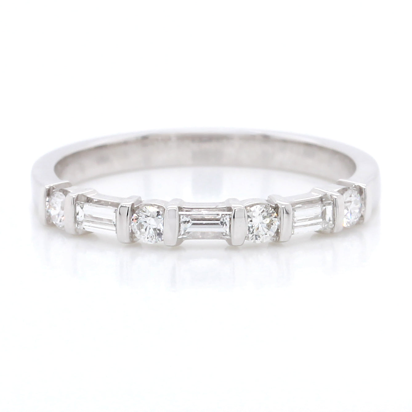 18K White Gold Alternating Round and Baguette Diamond Band