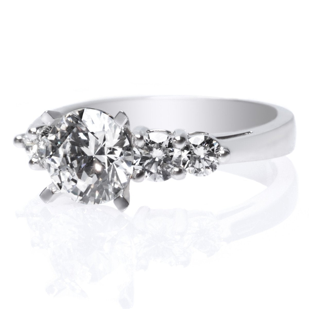 Platinum Graduated Engagement Ring Setting