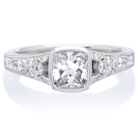 18K White Gold Vintage Halo Cushion Cut Diamond Engagement Ring