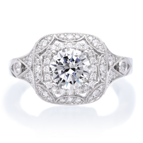 18K White Gold Vintage Diamond Halo Engagement Ring
