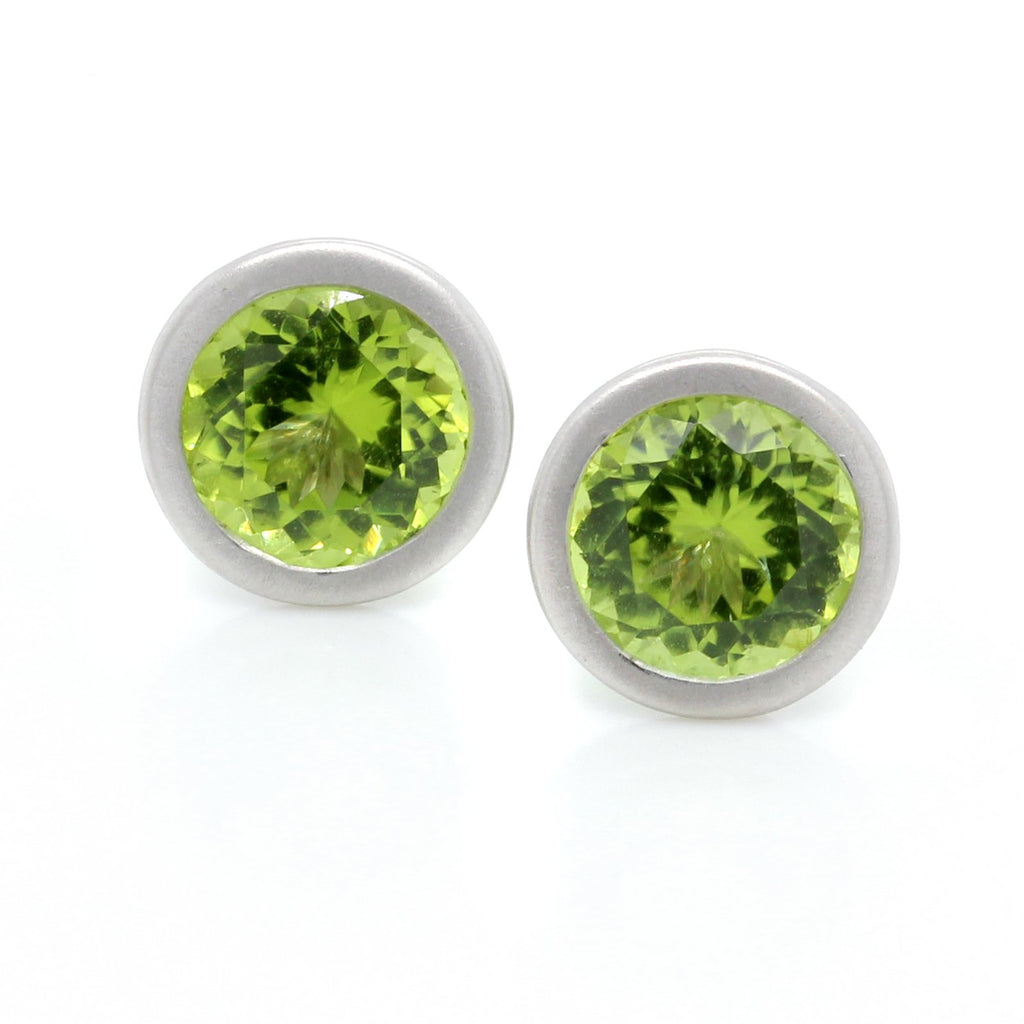 18K White Gold Bezel Set Peridot Earrings