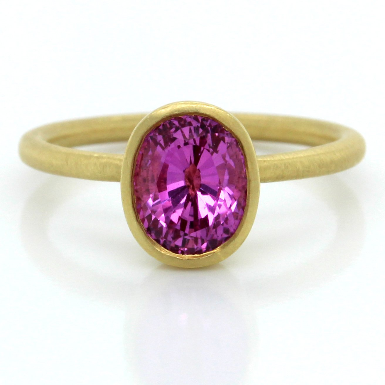 18K Yellow Gold Oval Pink Sapphire Ring