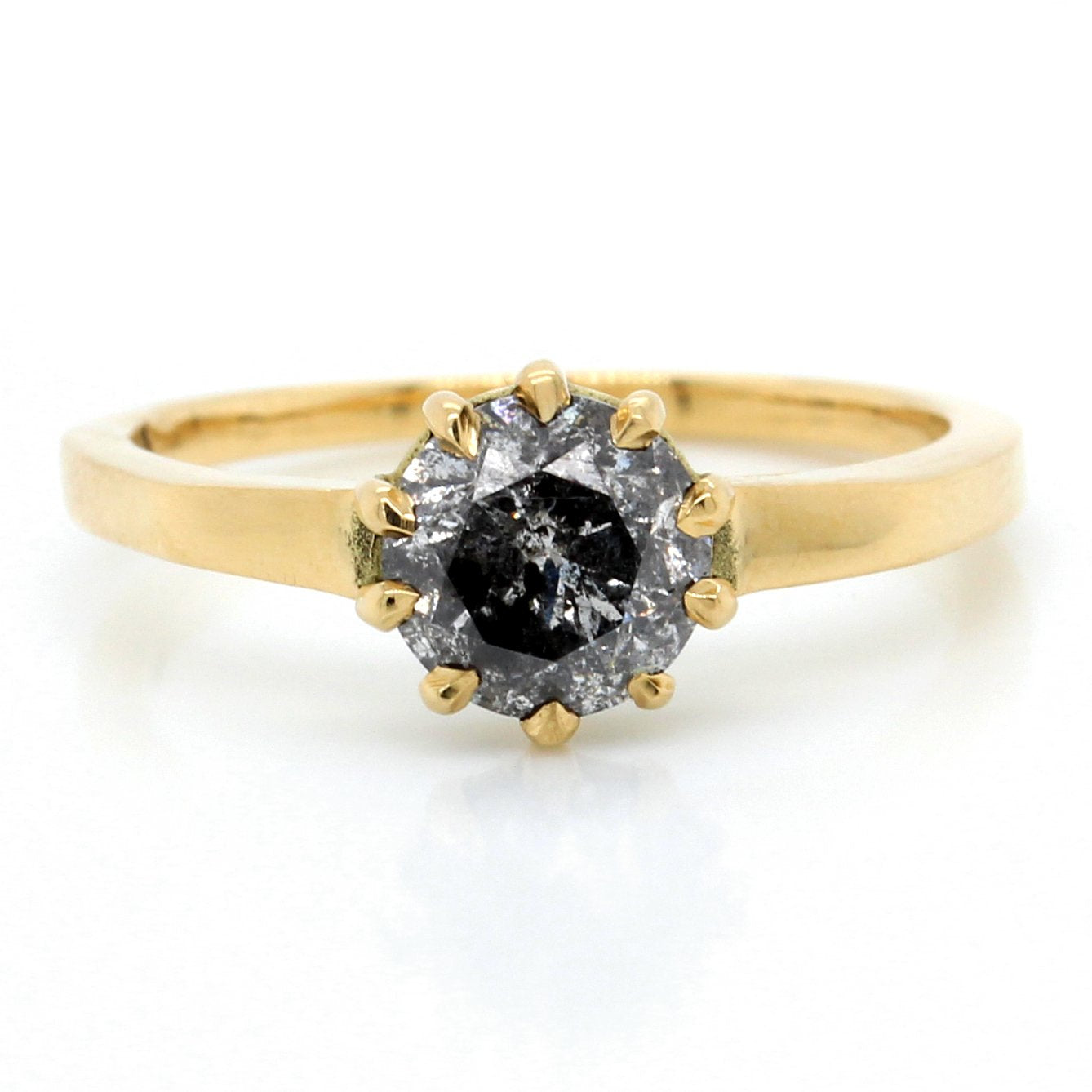 18K Yellow Gold Dark Round Brilliant Diamond Ring