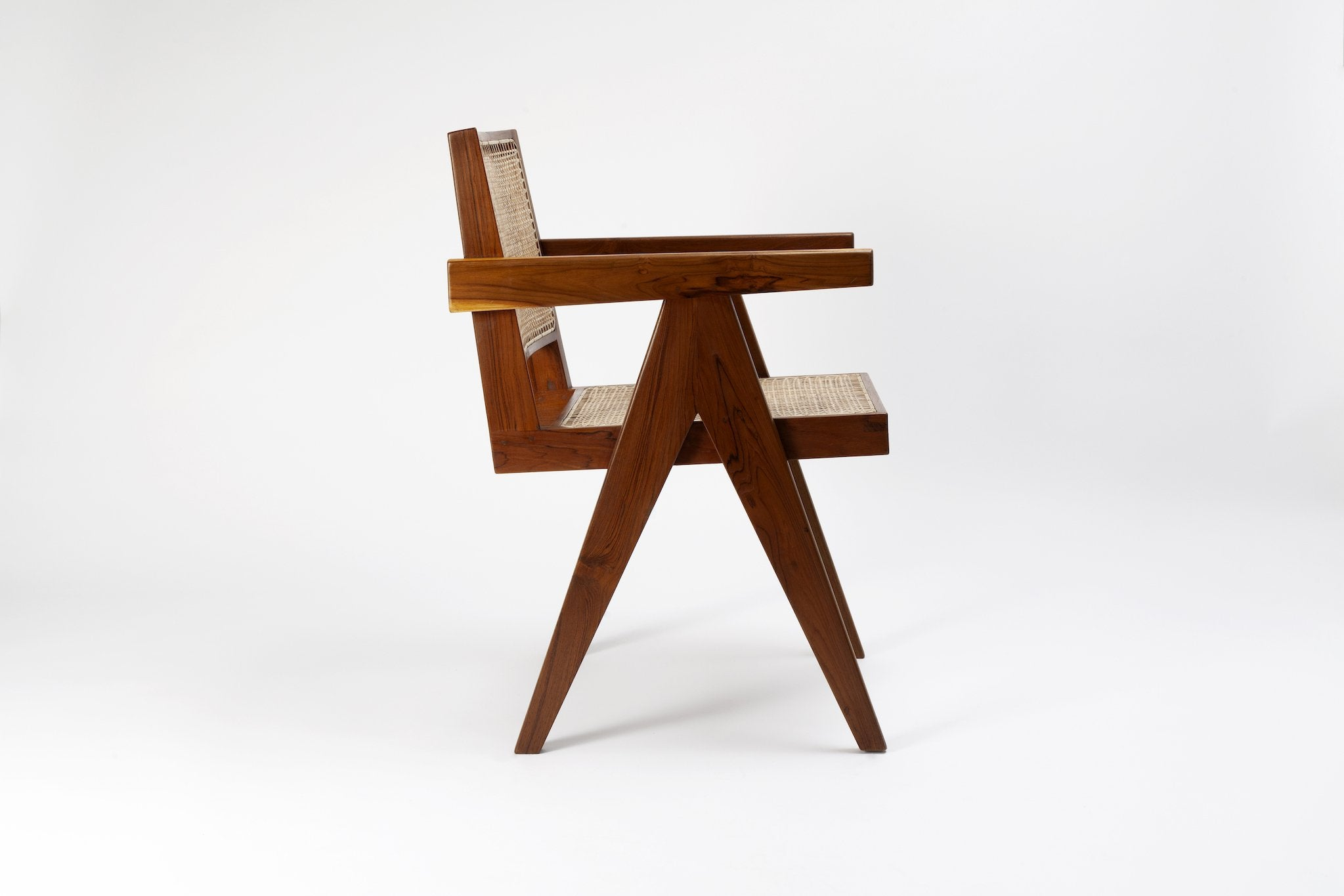 Pierre Jeanneret King Chair