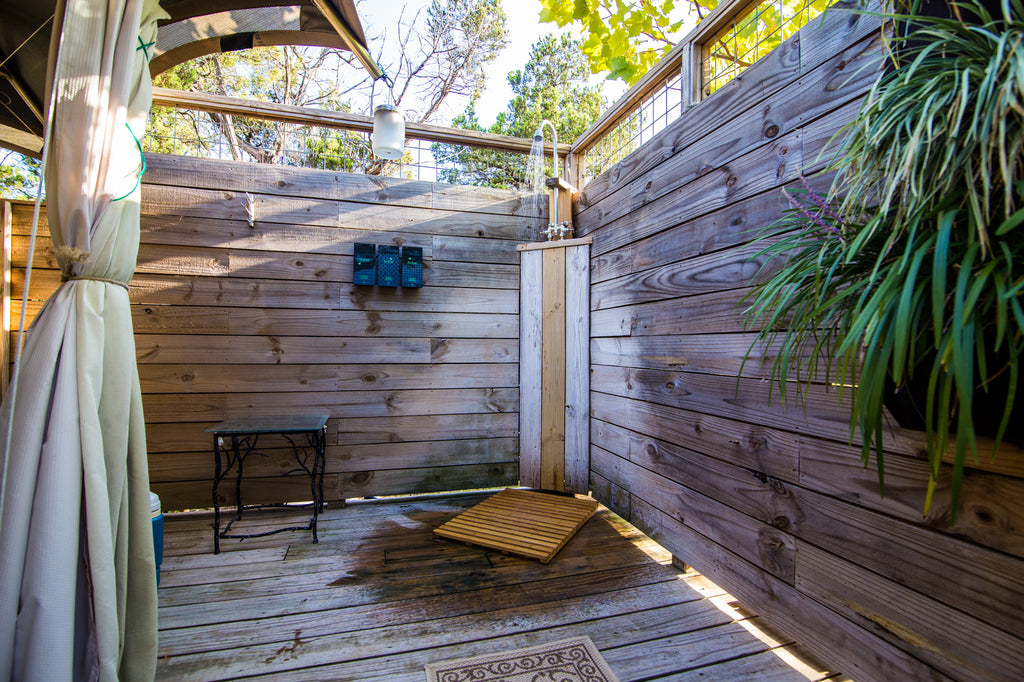 Outdoor Shower at Sinya on Lone Man Creek