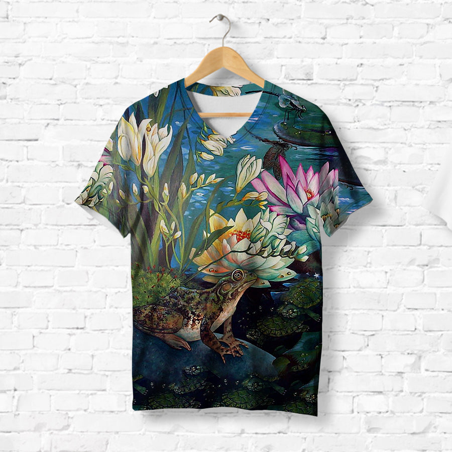 FROG BESIDE THE LAKE T-SHIRT