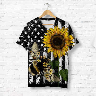 Bumblebee With Sunflower T-shirt