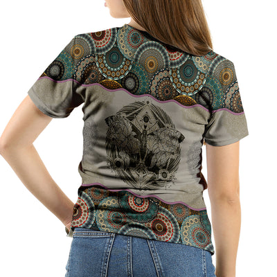 QUEEN OF BUTTERFLY VINTANGE T-SHIRT
