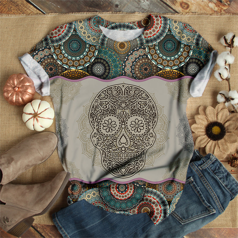 SKULL IN CLASSICAL PATTERN T-SHIRT
