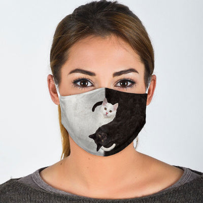 BLACK AND WHITE CAT FACE MASK