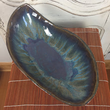 Load image into Gallery viewer, Bowl - Blue Leaf Shaped