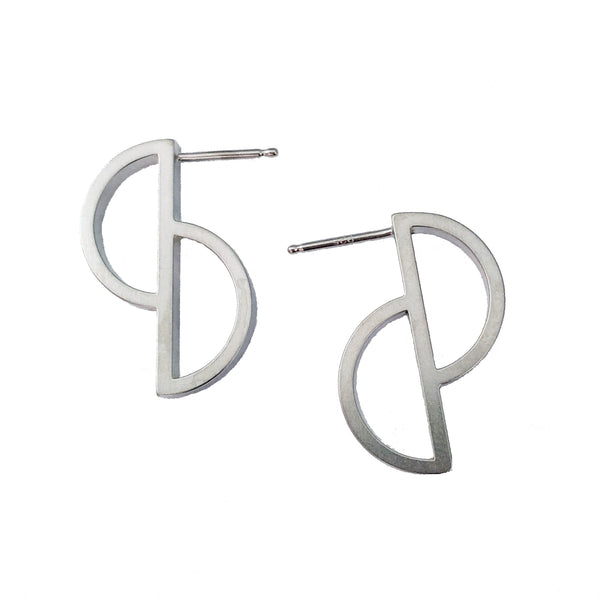 Two D Short Earrings