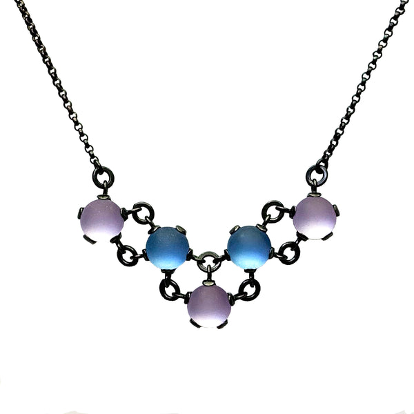 Maille V Necklace