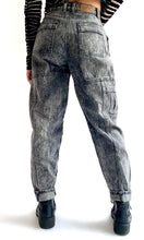 Load image into Gallery viewer, Grey Acid Wash LEE Jeans