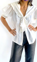 Load image into Gallery viewer, Off White Cotton & Lace Puffy Blouse