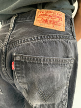 Load image into Gallery viewer, Levi's 501 Black Red Tab