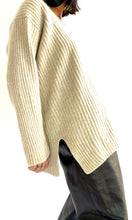 Load image into Gallery viewer, Escada Oversized Ribbed Cashmere Sweater