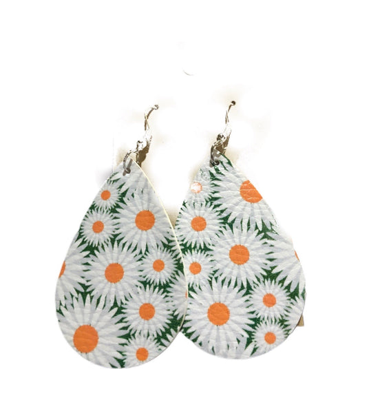 Green & White Daisy Floral Earrings