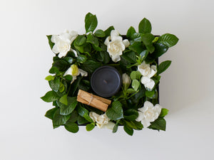 Floral candle gift box with palo santo