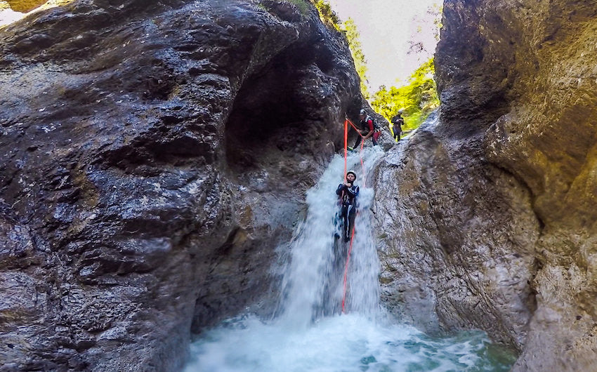 MUST KNOW TIPS FOR CANYONING TRIP