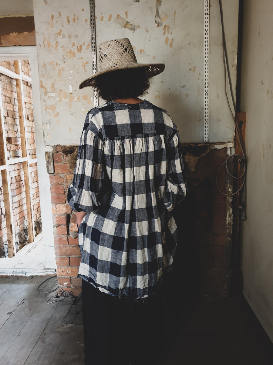 Amano linen checks pin-tuck shirt