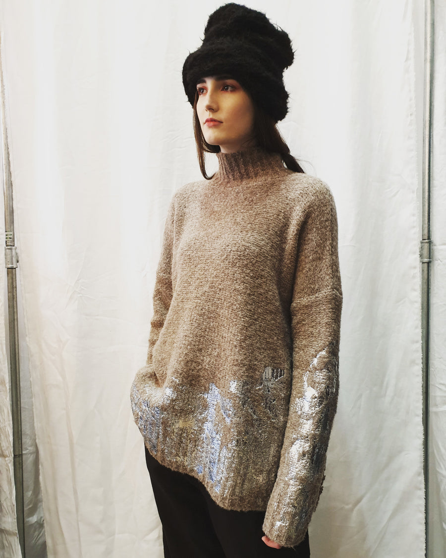 Amano turtle neck sweater W/ hand-print foil