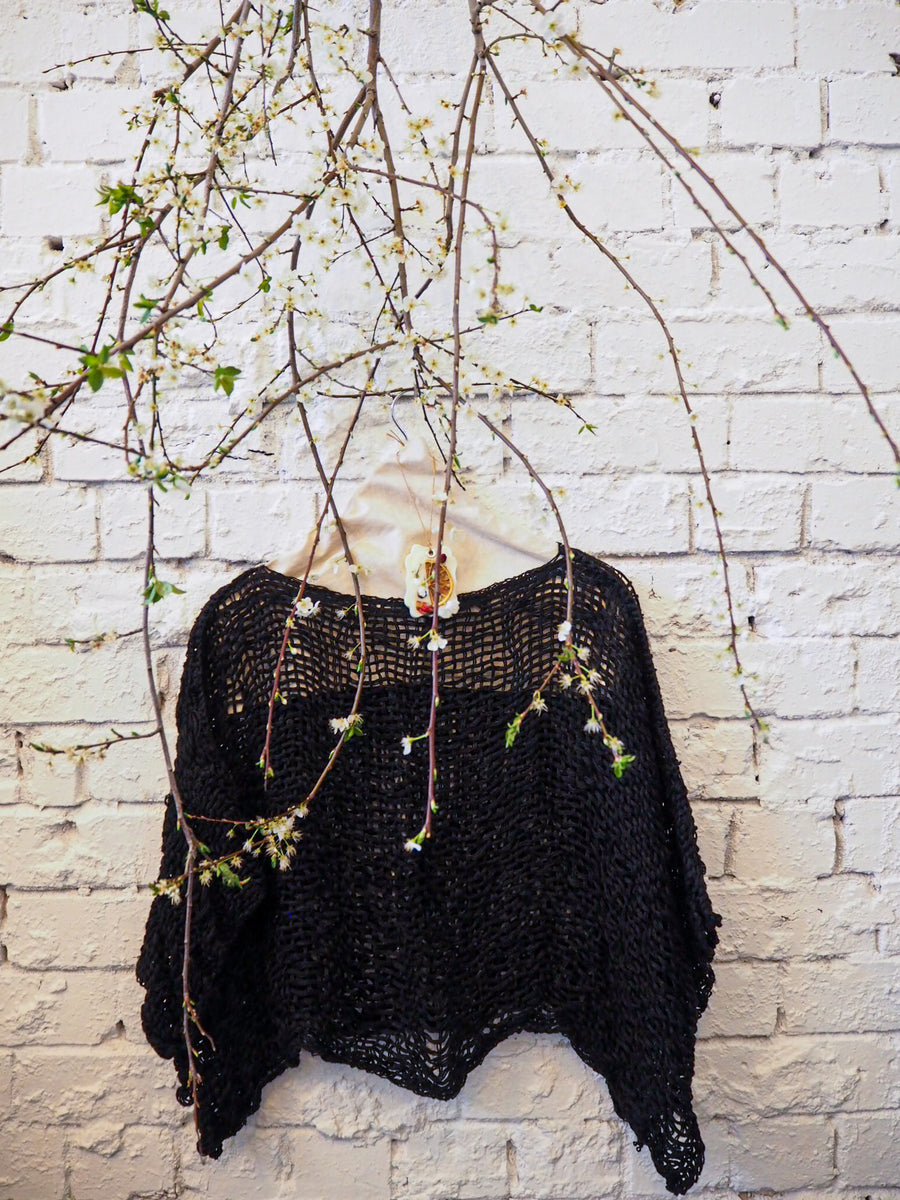 amano black linen crop top