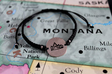 "Load image into Gallery viewer, Globetrotter ""mountain"" macrame bracelet"
