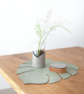 The Leaf Table Mat