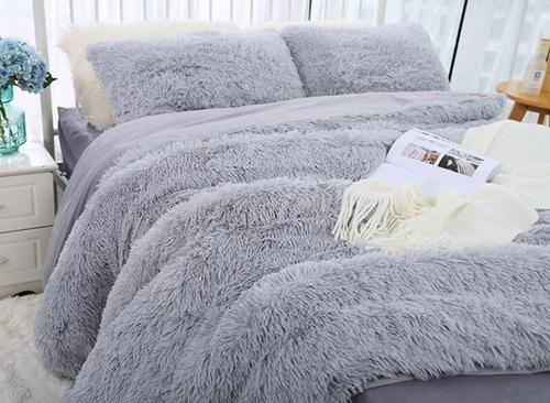 🔥50% OFF 🔥Fluffy Blanket With Pillow Cover 3 Pieces Set