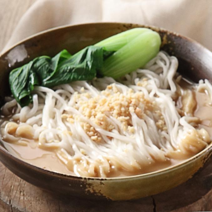 Duo Noodles in Sesame and Peanut Sauce