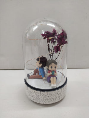 Cute couple Boy n Girl in Glass with LED (CT88)